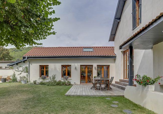 Agrandissement de maison lyonnaise donnant sur une terrasse