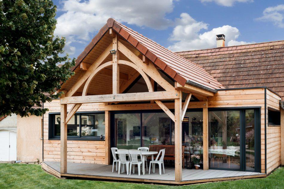 Extension de maison en bois : est-ce possible sans permis de construire ?