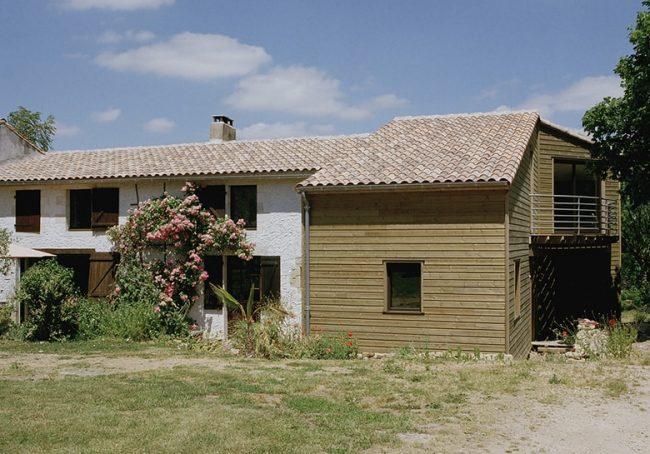 Extension de maison en bois pour cette batisse niortaise