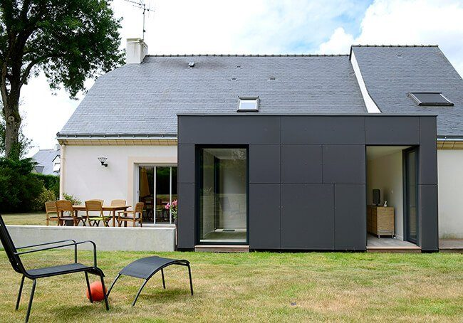 V-Extension moderne d'une maison classique
