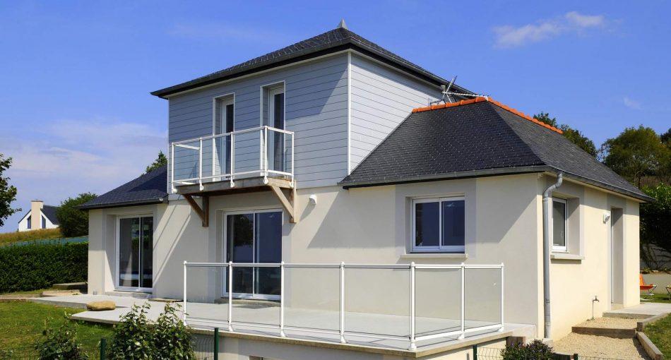 Faut-il un permis de construire pour la surélévation de sa toiture ?