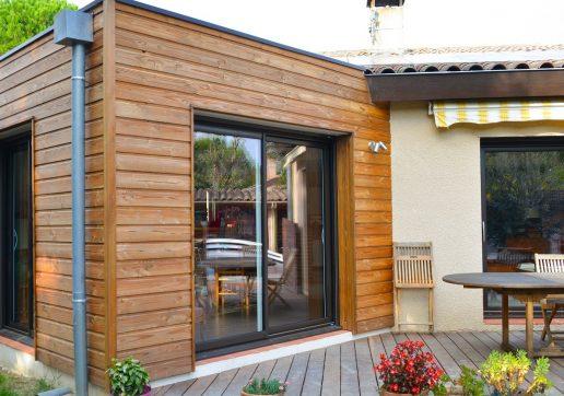 extension en bois d'une maison traditionnelle