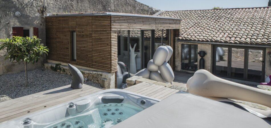 Craquez pour le charme d'une extension maison avec patio!