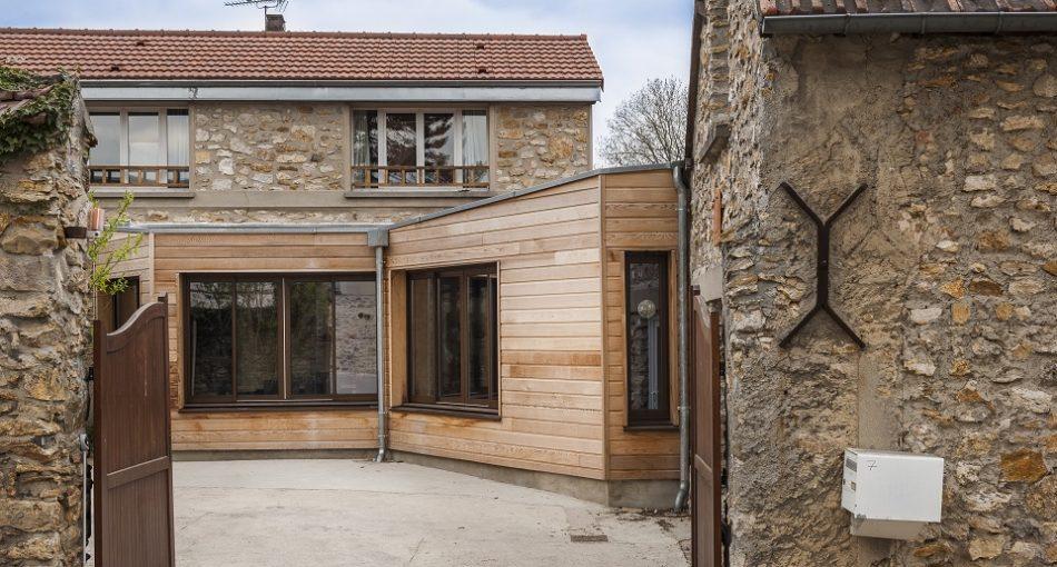 Osez l'originalité d'une extension maison cube bois!