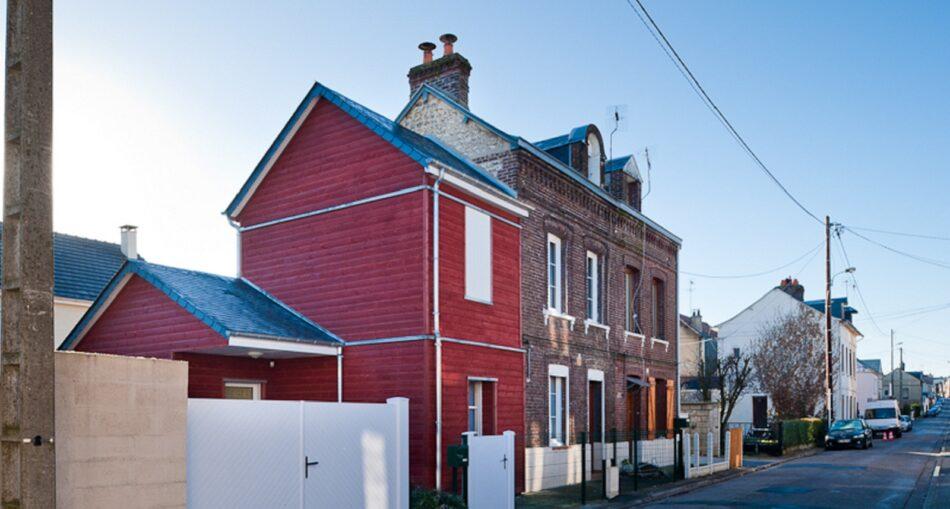 Focus sur la jonction d'une extension maison