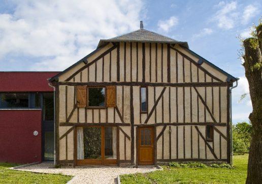 extension moderne sur maison ancienne