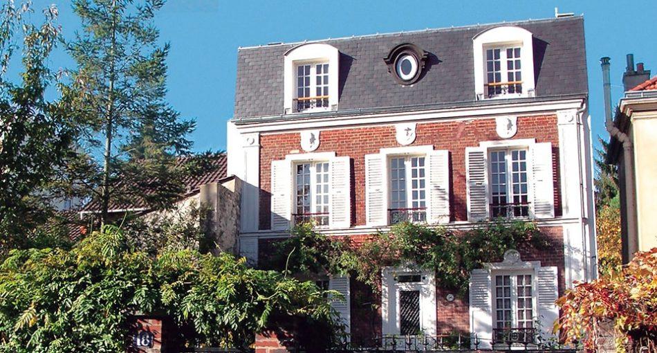 Focus sur la surélévation de toiture à Paris