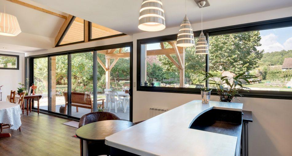 Pourquoi choisir une extension cuisine verrière ?