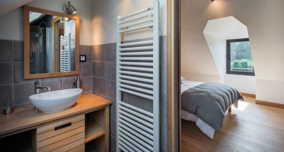 Comment créer une salle de bain sous combles?